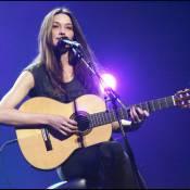 Devinez à quelle immense star de la musique... Carla Bruni va offrir ses services !