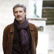 Regardez Antoine de Caunes totalement sous le charme... d'un travesti musulman !