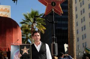 Avec John Stamos, c'est aussi la fête... en plein air, à Hollywood !