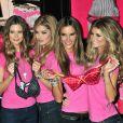 Les Anges de Victoria's Secret ont fait sensation à la boutique Victoria's Secret à New York le 18/11/09