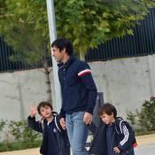 Raul, le brillant capitaine du Real Madrid... se transforme en papa gâteau avec ses jumeaux !