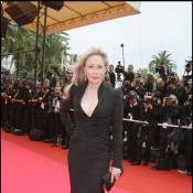 Faye Dunaway : L'actrice risque... l'expulsion !