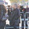 Alain Chabat arrive aux obséques de Jocelyn Quivrin