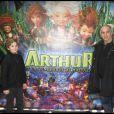 Alain Terzian et Alexandre lors de l'avant-première d'Arthur et la vengeance de Maltazard, le 22 novembre 2009, au Gaumont Ambassade.
