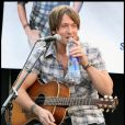 Keith Urban donne un concert acoustique à Passadena, Los Angeles le 21 novembre 2009