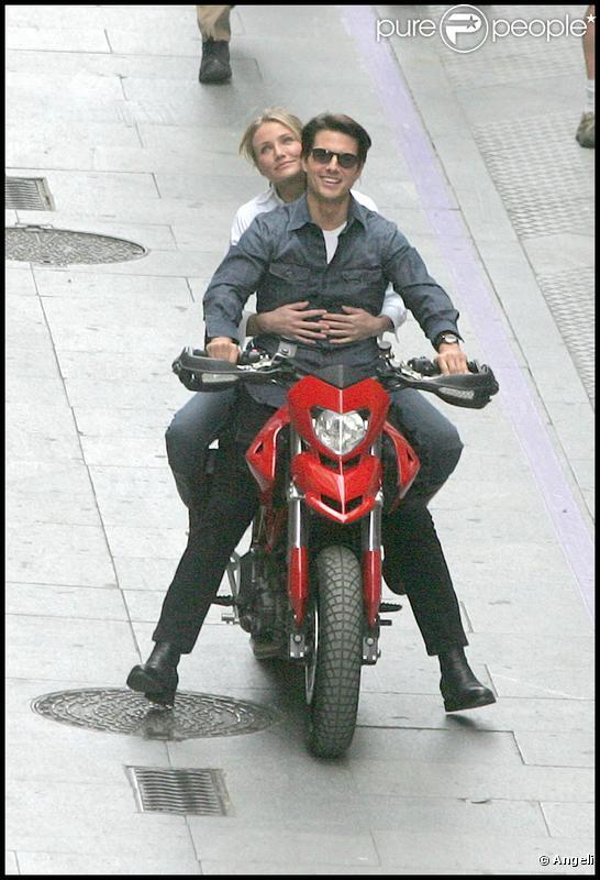 Cameron Diaz et Tom Cruise, en pleine balade à moto sur le tournage de  Knight & Day