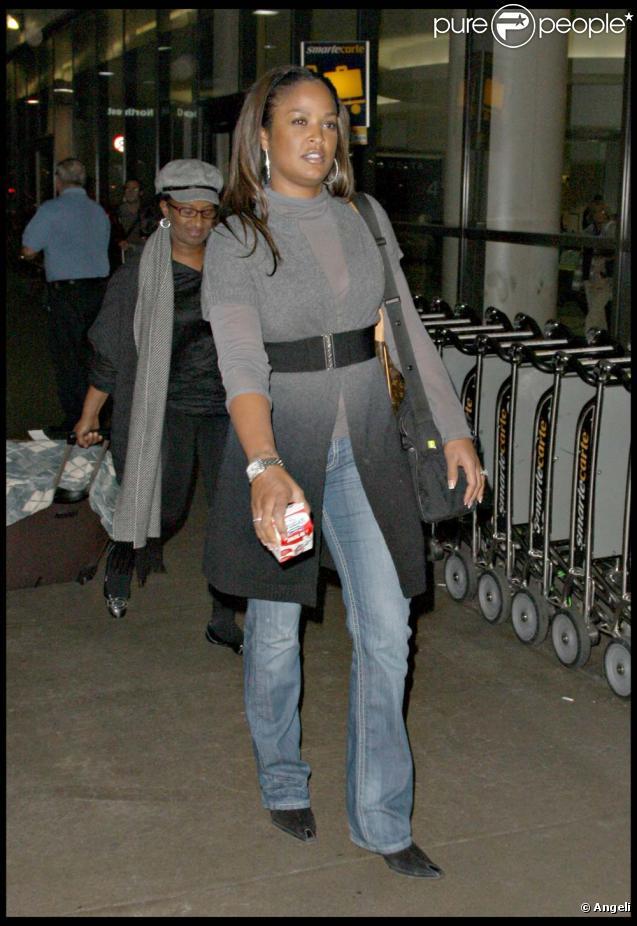 Laila Ali  son   233 poux et son fils    224  l a  233 roport de Los Angeles  le    Laila Ali Son