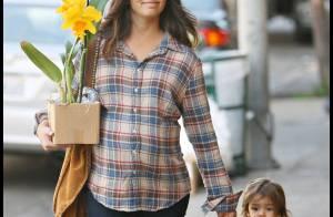 Camila Alves, au bord de l'accouchement et son craquant Levi vont provoquer une overdose de fleurs... au futur papa !