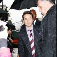 Robert Downey Jr laisse ses empreintes au Grauman's Chinese Theatre à Hollywood le 7 décembre 2009