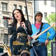 """Lisa-Marie Presley et le groupe """"Shut It"""" avec son ancien-époux Danny Keough."""