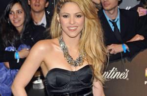 Quand Shakira, Alesha Dixon et Nelly Furtado font succomber le beau Robbie Williams...