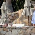 Dustin Hoffman et sa femme, Lisa, au bord d'une piscine à Mexico, décembre 2009.