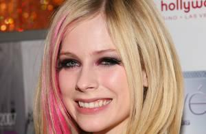VIDEO : Découvrez les 8 versions étrangères du tube 'Girlfriend' d'Avril Lavigne... dont une en français.