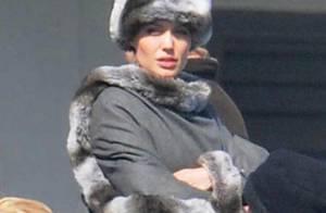 Angelina Jolie remet son habit de poupée russe et reste sublime... par moins 10°C !