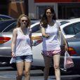 Dakota Fannign fait du shopping avec sa mère