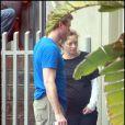 Pour rendre service à sa femme enceinte, Eric Dane devient l'homme à tout faire de la maison !