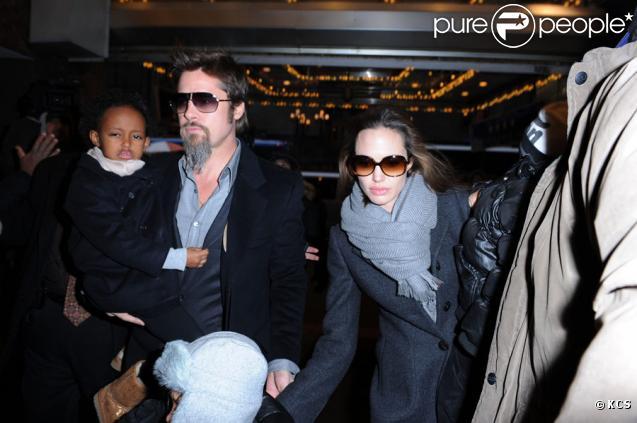 Brad Pitt et Angelina Jolie ont emmené Shiloh, Maddox, Pax et Zahara voir la comédie musicale Mary Poppins, le 3 janvier 2010 à New York.