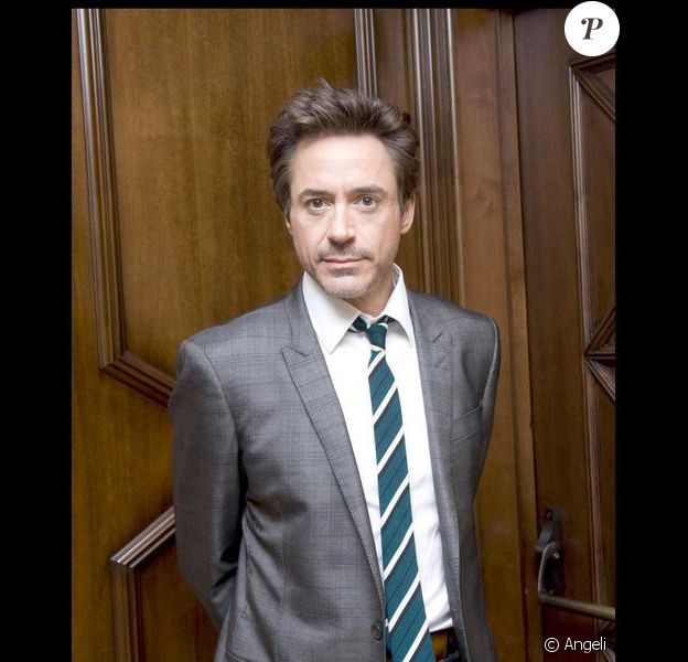 Robert Downey Jr. faisant la promotion de Sherlock Holmes à Los Angeles début décembre 2009