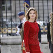 Letizia d'Espagne : Quand son Felipe sort l'uniforme, elle voit rouge mais... reste divine !