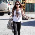 Miley se promène avec son boyfriend Liam Hemsworth et un ami dans les rues de Toluca Lake le 6 janvier 2010