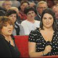 """Michèle Bernier et sa fille Charlotte à l'émission """"Vivement Dimanche"""" tournée le 6.01.10 (diffusée le 10.01.10)"""