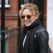 Kylie Minogue au petit matin... ne quitte plus son bel amoureux !