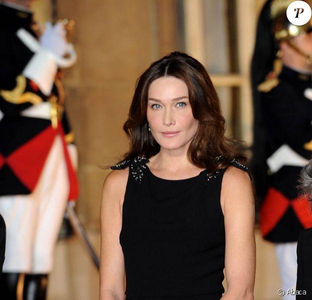La belle Carla Bruni entamera le tournage du nouveau film de Woody Allen à Paris, en juillet 2010.