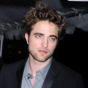 Haïti : Robert Pattinson a mis de côté sa mésentente avec George Clooney...