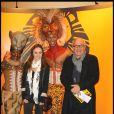 Patrice Laffont et sa fille lors du spectacle du Roi Lion au théâtre Mogador le 20 janvier 2010