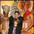Smaïn et son fils lors du spectacle du Roi Lion au théâtre Mogador le 20 janvier 2010