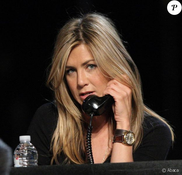 Jennifer Aniston lors du Téléthon pour Haïti à Los Angeles le 22 janvier 2010.