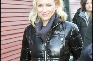 Quand les belles Naomi Watts, Juliette Lewis et Rachel Hunter bravent le froid...
