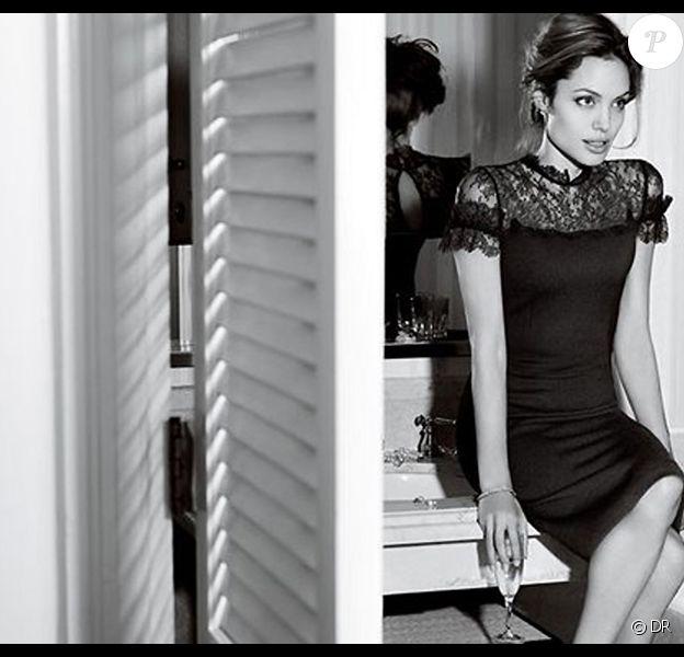 Angelina Jolie, égérie de la marque St John