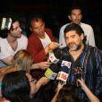 Diego Maradona et son ex-femme Claudia sont venus soutenir leur fille cadette Dalma, à l'occasion de ses débuts au théâtre dans Fuego entre Mujeres, à Buenos Aires, en Argentine, le 25 janvier 2010.
