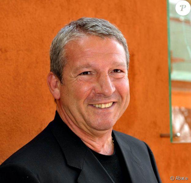 Rolland Courbis sera relâché le 12 février 2010 et devra porter un bracelet électronique