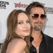 Regardez Brad Pitt et Angelina Jolie, unis et amoureux, à l'occasion d'une belle soirée hollywoodienne !