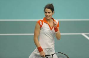 La championne de tennis Nathalie Dechy est maman !