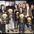 La troupe reçoit avec honneur  le Disque de platine pour 130 000 albums vendus,  lors de la dernière représentation de Cleopâtre, le 31 janvier 2010