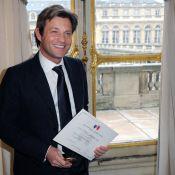 Laurent Delahousse, très adroit avec sa langue... est récompensé par un coquet Frédéric Mitterrand !