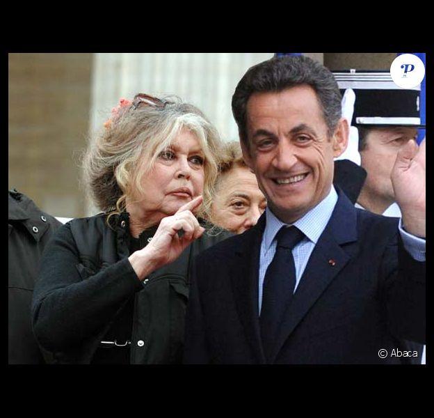 Brigitte Bardot ne mâche pas ses mots lorsqu'elle écrit à Nicolas Sarkozy, le 12 février 2010 !