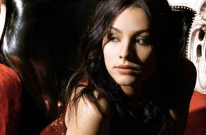Découvrez la ravissante Sarah Riani (Nouvelle Star), de ses débuts à... son nouveau single !