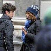 Valeria Golino et son amoureux... très complices dans les rues de Naples !
