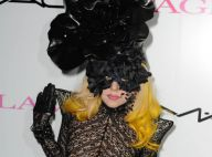 Lady Gaga : En dentelle et en transparence... la déesse masquée est plus dénudée que jamais et folle !