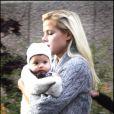 Elin Nordegren, la femme de Tiger Woods, avec son bébé