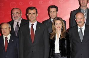 Letizia d'Espagne : En total look noir, elle éclipse son époux Felipe !