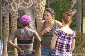 La Ferme Célébrités en Afrique : Regardez l'explication très tendue entre Hermine et Surya... et la crise de larmes de celle-ci !