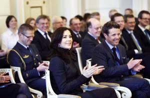 La princesse Mary de Danemark, parfaite et très détendue pour passer au tribunal !