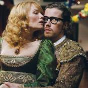 Regardez Julien Doré et Marina Hands s'aimer, s'embrasser et... se gifler !