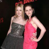 Kristen Stewart enlace Dakota Fanning et Ryan O'Neal embrasse sa fille... aux côtés des belles Riley Keough et Joan Jett !