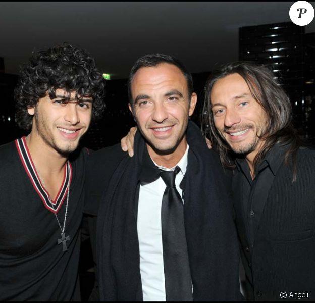 Jesus Luz, Nikos Aliagas et Bob Sinclar au Vip Room Theater à Paris, le 11 mars 2010 !
